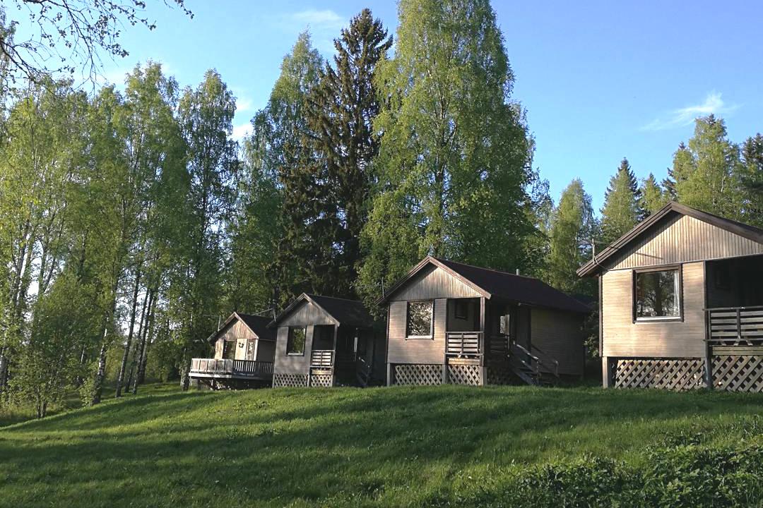 Katajistonranta retkeilymökit Aulangolla Hämeenlinnassa
