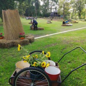 Katajistonranta tapahtumapaikka Mielensäpahoittaja festivaalit maitokärryt